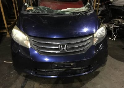 HONDA FREED FRONT CUT