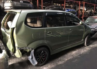 TOYOTA AVANZA 1.5CC AUTO FRONT CUT AND REAR CUT