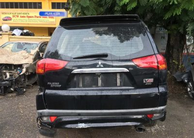 MMC PAJERO SPORT 2.5CC VGT 4WD AUTO 5SPEED FRONT CUT AND REAR CUT